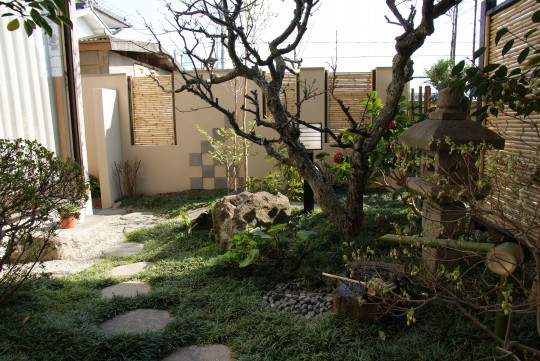庭志から庭師へ-久御山町Yさんの庭